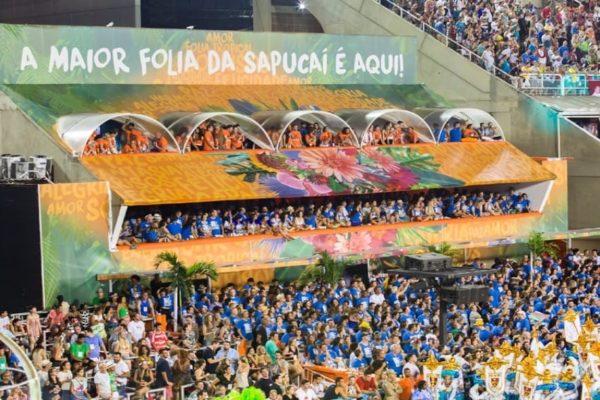 Varandas na Folia Tropical. Camarote VIP e SUPER VIP. Carnaval do Rio de Janeiro. Marquês da Sapucaí.