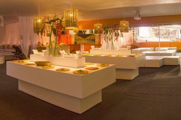 Vip Lounge dos Camarotes Folia é Super Folia Tropical.
